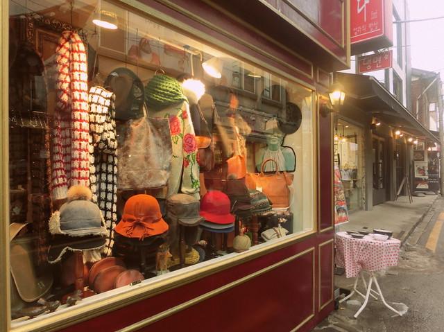 Hat-shop-in-Bukchon
