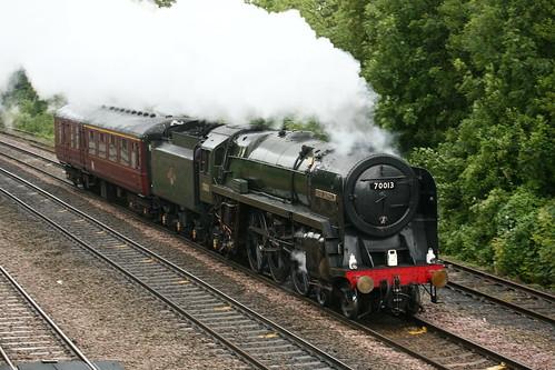 BR ( Crewe ) Riddles Standard Class 7P6F 'Britannia' 4-6-2 70013 'Oliver Cromwell'