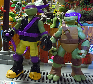 "Nickelodeon ""MUTAGEN OOZE"" TEENAGE MUTANT NINJA TURTLES :: OOZE SCOOPIN' DONNIE - D // ..head swap with original Nick Donatello  (( 2013 ))"