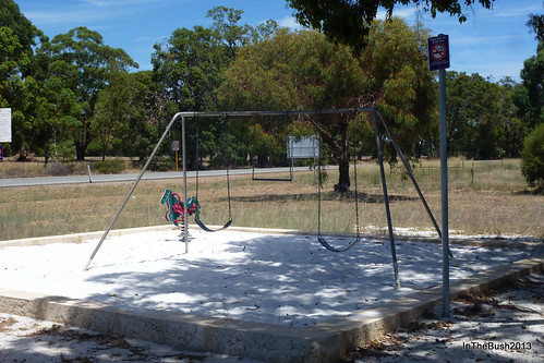 Old swing, Keysbrook