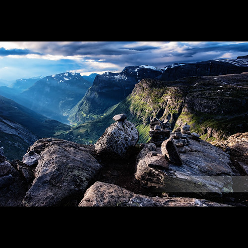 mountain snow norway clouds norge view scenic fjord utsikt cairn dreamscape geiranger møreogromsdal dalsnibba norsknatur 2470mmf28g