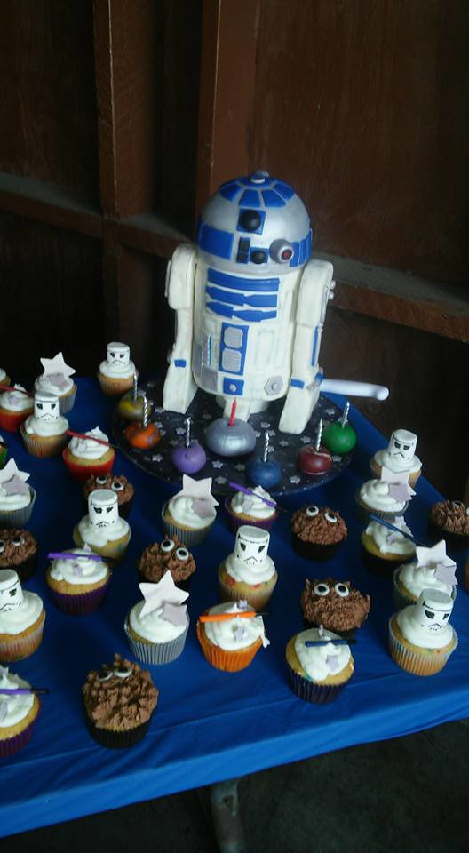R2D2 In a galaxy far far away by Karrie Hebdon Thompson of KEMPY Kustom CAKES