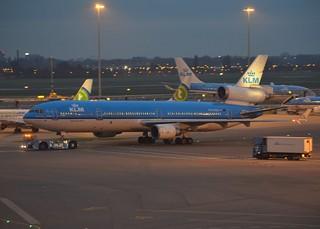 PH-KCB Md11 Klm (Schiphol 26-10-2014)