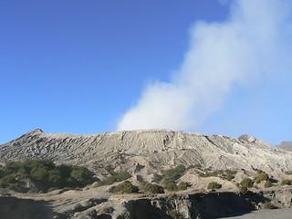 Smoking Bromo vulcano  (East-Java, Indonesia 2009)