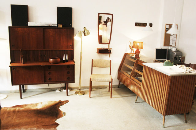 vintage galore die 60er jahre in teak. Black Bedroom Furniture Sets. Home Design Ideas