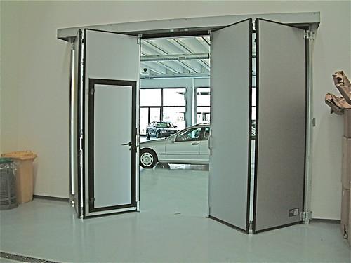 Foto porte e portoni industriali prodotte da sacil - Porte chiusura a libro ...