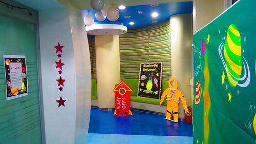 English zone space hallway
