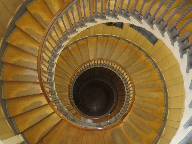 spiral staircase definition meaning