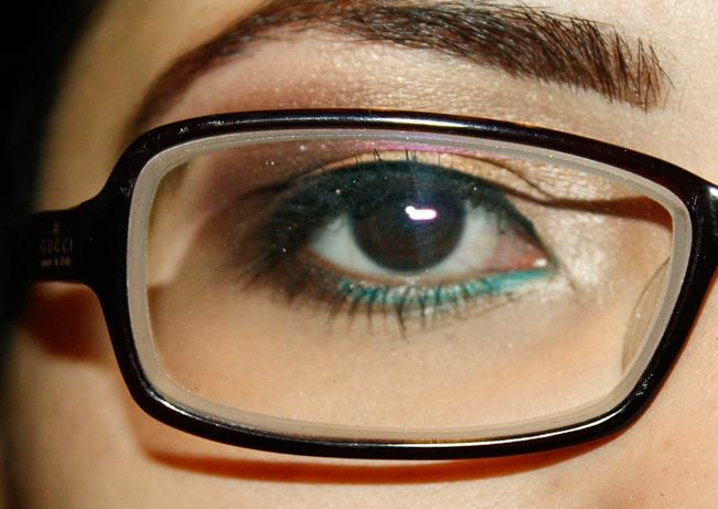 Makeup for Glasses Pic 6