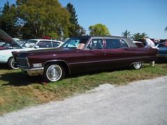 automobile, automotive exterior, vehicle, full-size car, cadillac coupe de ville, antique car, sedan, classic car, land vehicle, luxury vehicle,