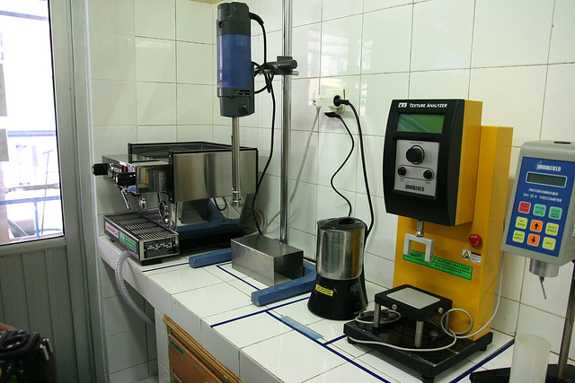 As coffee chains make up an important part of their clientele, Greenfields has full coffee-making facilities in the lab too