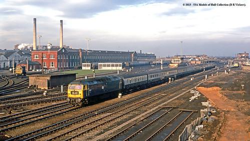 train diesel railway britishrail doncaster southyorkshire passengertrain class47 47420