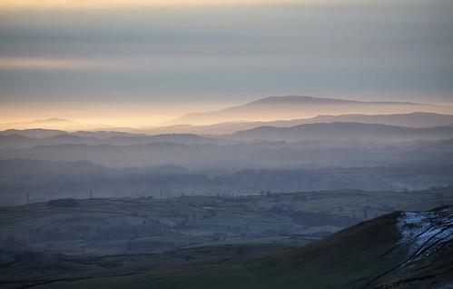 uk sunset snow fog nationalpark yorkshire hill lakedistrict cumbria moor dales blackcombe sedbergh howgill howgillfells uldalehead greyriggpike lunegap pwwinter