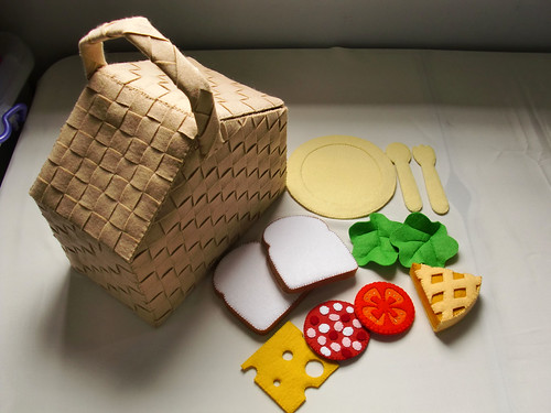 Felt Picnic Basket Set