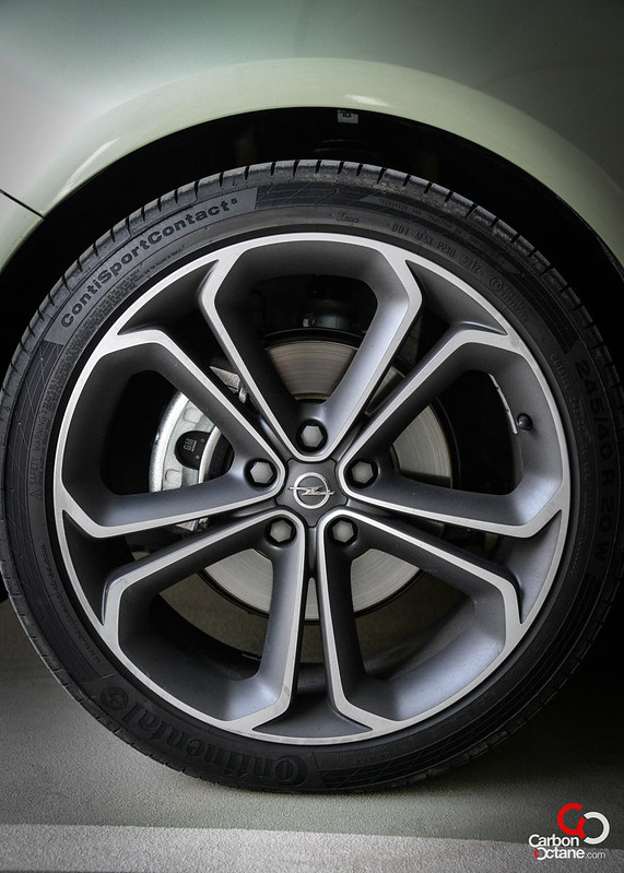 2013 - Opel Astra GTC 20 inch rim.jpg