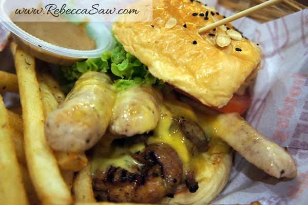 Burger Junkyard-009