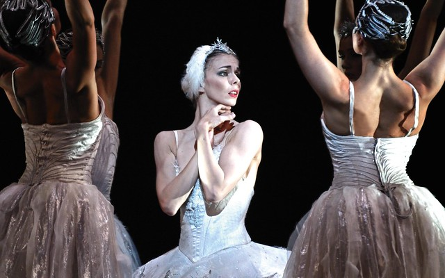 Natalia Osipova in Swan Lake. © ROH/Alice Pennefather 2012