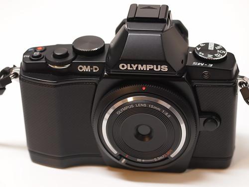 OLYMPUS OM-D EM-5 + BCL-1580