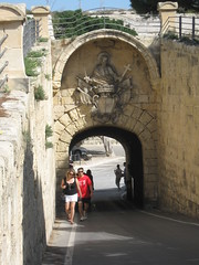 2012-04-malta-133-mdina-greek gate