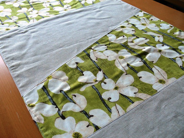 Jenny Bartoy ~ Handmade Designs: Custom Table Runners
