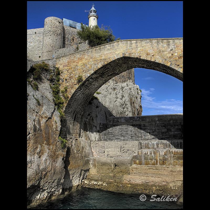 Puente del castillo-faro de Castro Urdiales 8118420682_f6e5126827_c