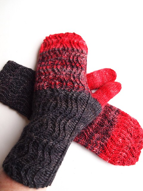Vampire Suicide mittens - handspun