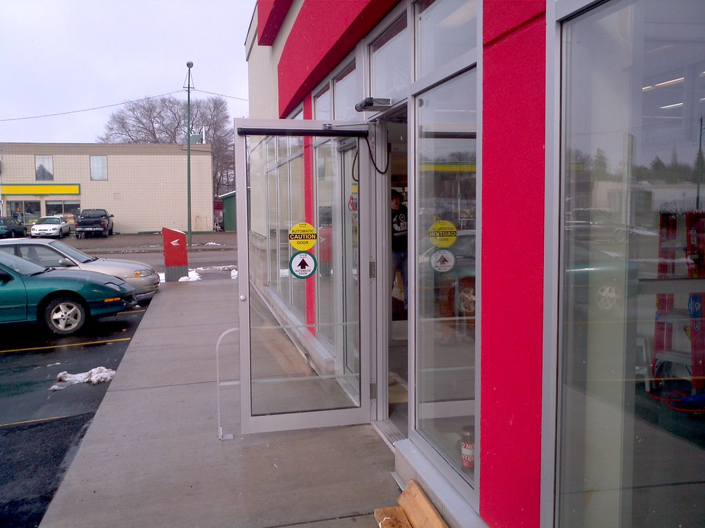 Merveilleux Automatic Door At Shoppers Drug Mart Finally Operational