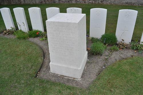 2012.06.30.047 - IEPER - Militaire Begraafplaats 'Ypres Reservoir Cemetery'