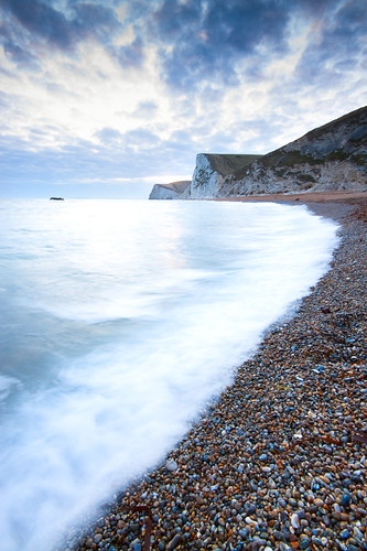 White Wave by Dale Hayter
