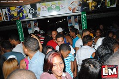 Millenium Bar Liquor Store @ fin de semana