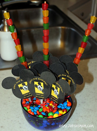 8368193493 2d70b101d3 Baby Bugs 3rd Birthday: Mickey Mouse Birthday Party Decorations and Ideas