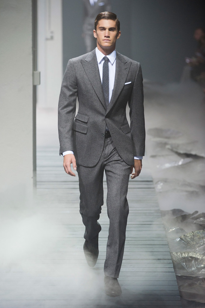 FW13 Milan Corneliani001_Tomas Guarracino(fashionising.com)