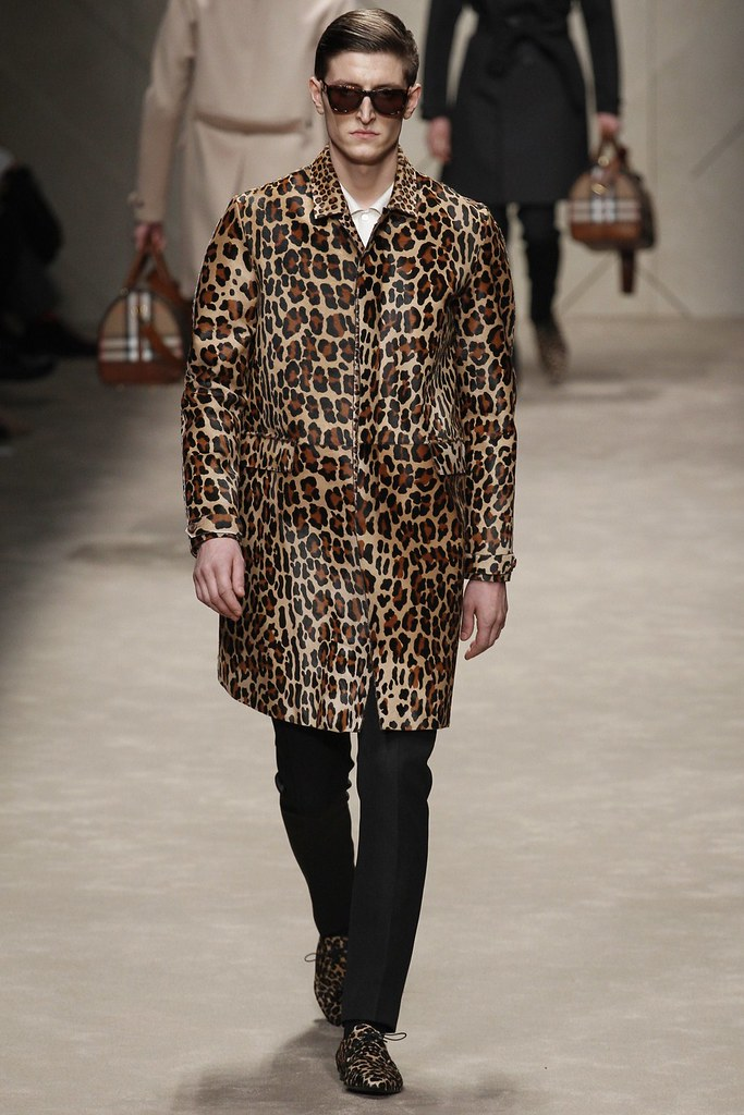 FW13 Milan Burberry Prorsum013_Chris Beek(VOGUE)