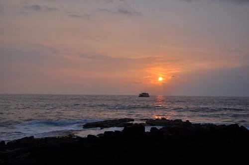 cruise sunset beach hawaii resort kona