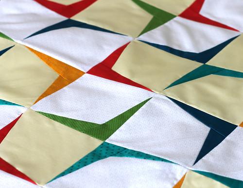 retro modern boomerang quilt by vitaminihandmade