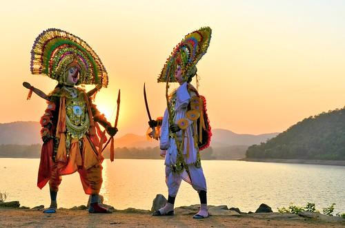 travel sunset india tourism dance ancient dancers mask folk traditional dancer tribal folkdance tribaldance ramayana westbengal villagelife chhau purulia ruralbengal warriordance ruralwestbengal murguma oldestmaskeddance হস্তশিল্প