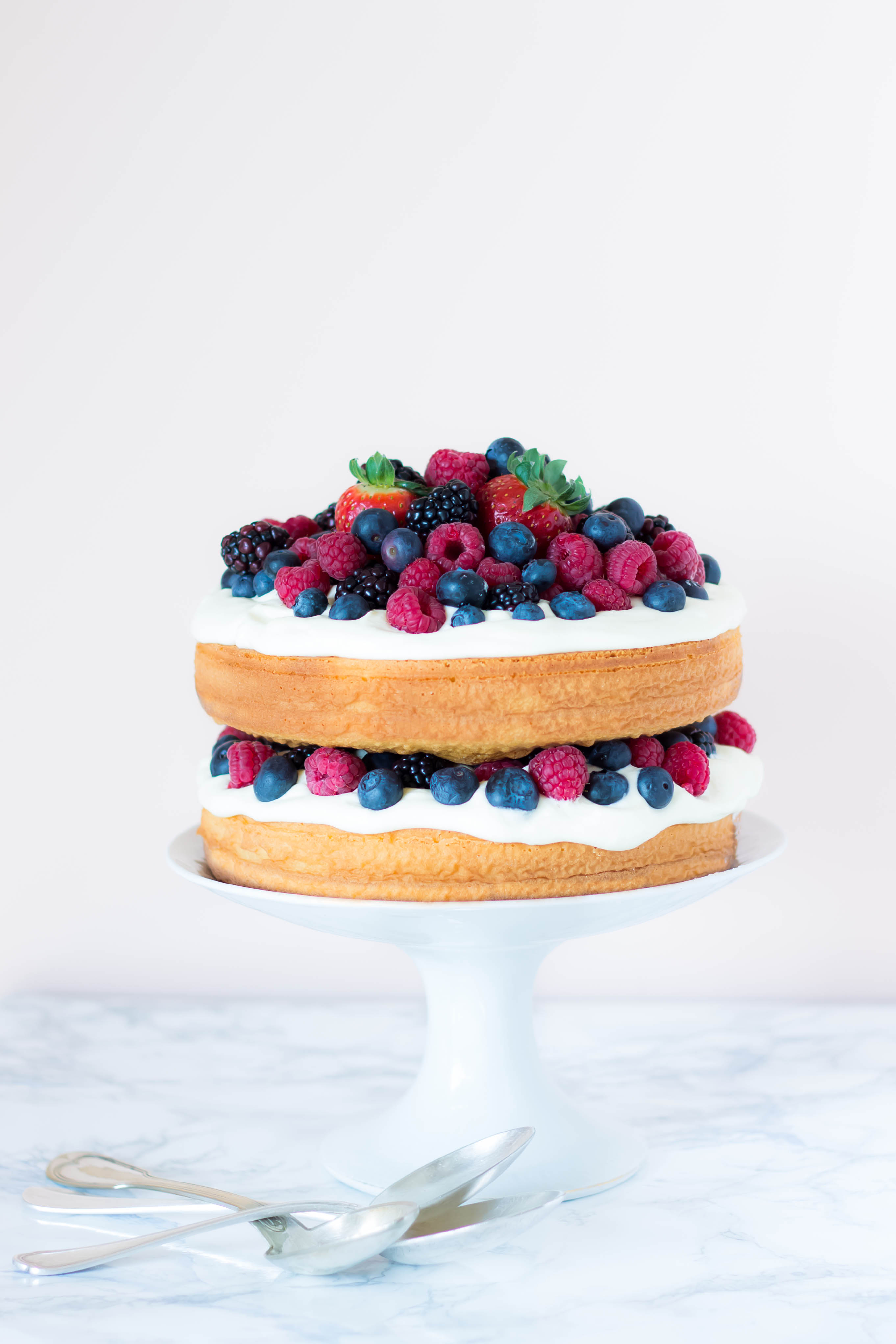 Mascarpone Berries Layer Cake