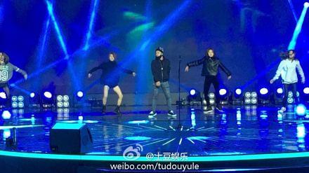 Taeyang-YoungChoiceAwards-Beijing-20141210-Rehearsals_7