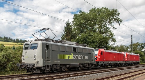 ruhrpott sprinter geutschland germany nrw ruhrgebiet gelsenkirchen lokomotive locomotives eisenbahn railroad zug train rail reisezug passenger güter cargo freight fret diesel ellok hessen körle kassel bebra db boxx boxxpress cantus can eloc mrcedispolok radve railadventure rbk rts sbbc swietelsky 0452 101 139 147 152 185 193 427 706 714 1216 6139 6147 6193 hänselundgretel rotkäppchen schienenwalzzeichen outdoor logo graffiti natur