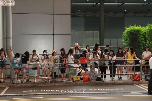 GDragon-arrival-HongKong-20140806 (5)