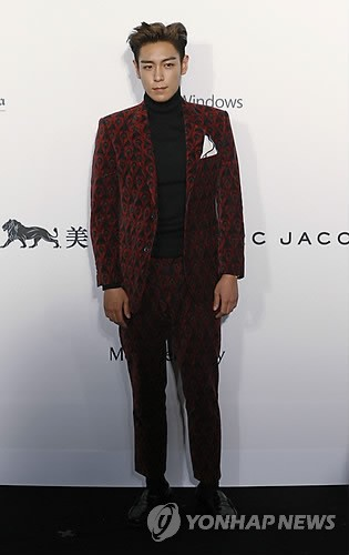 TOP - amfAR Charity Event - Red Carpet - 14mar2015 - Yonhap News - 01