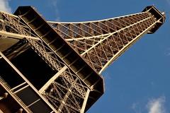 Toure Eiffel Tower Paris France - creative commons by gnuckx