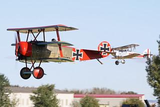 G-BVGZ (152-17) & G-BZNW (K2048)