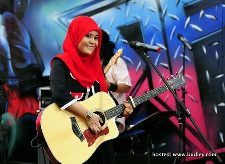 Najwa Latif - Rofftop (2)