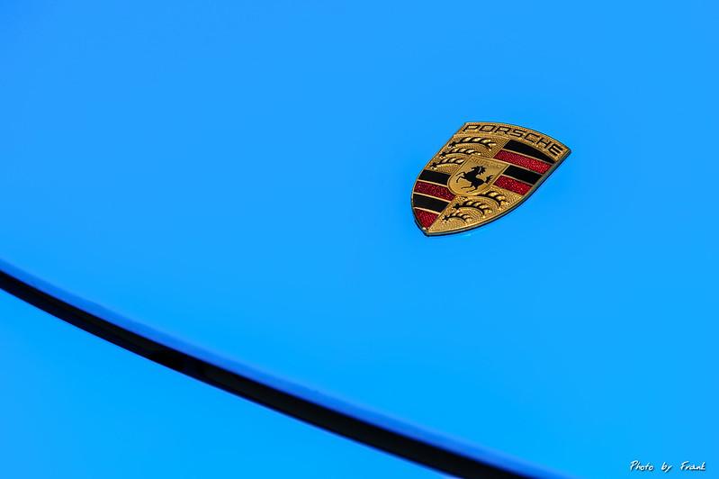 Porsche Carrera GT 換新皮~~~