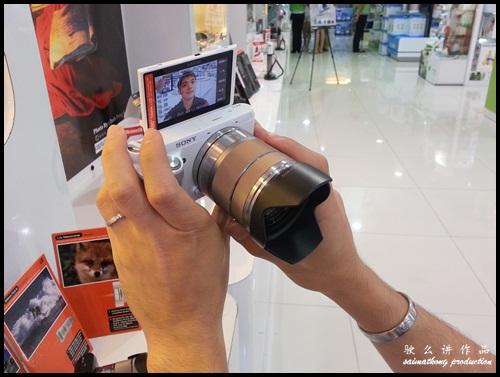 Interchangeable Lens Camera Promotion by SenQ - Sony NEX-F3K - 180° Flip LCD Screen
