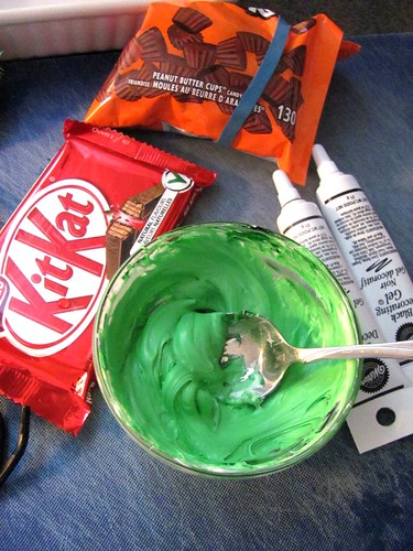 Halloween Kit Kat Frankenstein Treats