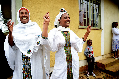 Elder-women-dancing-at-Mary-Joy