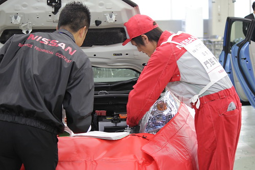 故障箇所を診断し、修理します。