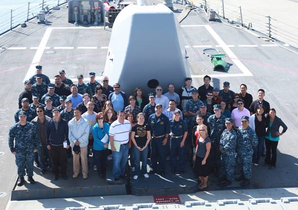 USS Higgins Receives Technical Support in Port Hueneme